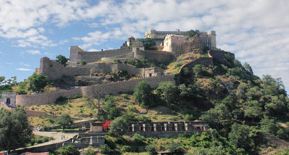 Photos of The Great Wall of India | Kumbhalgarh, Rajasthan 1/5 by Avnish Dhoundiyal