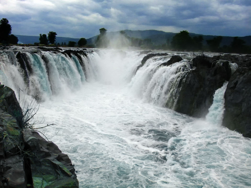 Photos of 10 most amazing waterfalls in India you should visit this monsoon! 1/1 by Onkar Tendulkar