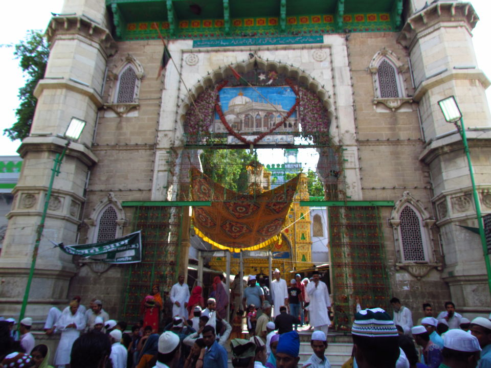 Photos of Ajmer Dargah 2/24 by Prahlad Raj
