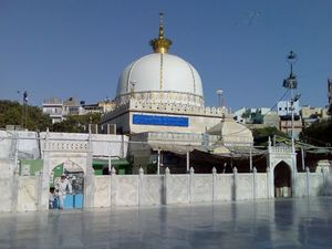 Ajmer Sharif 1/20 by Tripoto
