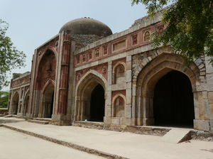 7 Haunted Places In Delhi That You (Do Not) Want To Visit