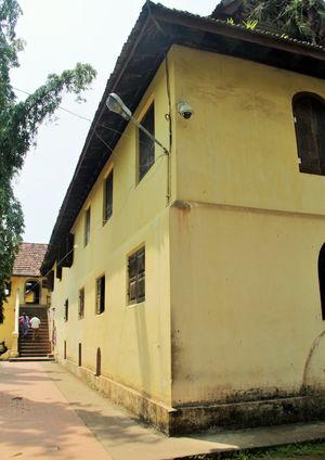 Traveling solo in Kochi: Two happy feet