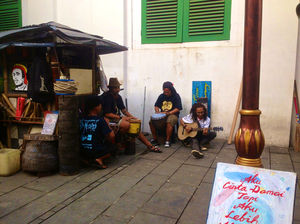 A Slow Jakartan Travel Tale
