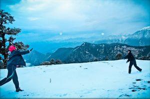 Which is a better trek in winter? Deoriatal or Kedarkantha?