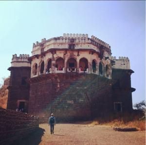 A Trip to Aurangabad : Day two - Daulatabad fort, Bibi ka Maqbara and Panchakki.