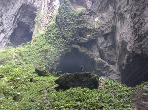 This Biggest Cave On The Planet Has Its Own Jungle, Ecosystem And A River. And You Can Camp In It!!