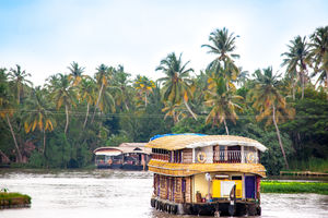 How To Have A Memorable Holiday In The Backwaters Of Kerala, The God's Own Country