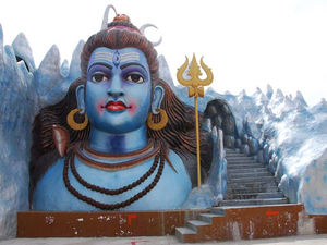 Surendrapuri - Have A Darshan Of All The Gods In One Place!