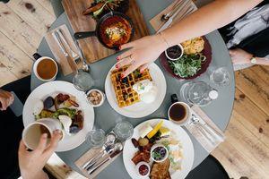 Mumbai To Lonavala? Binge At These  5 Restaurants On The Way