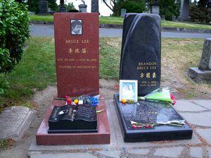 Bruce Lee's Gravesite 1/1 by Tripoto