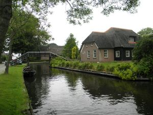 "Giethoorn: ""Venice of The Netherlands"""