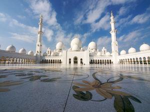 Abu Dhabi (03 Nights / 04 Days)