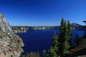 Crater Lake 1/1 by Tripoto