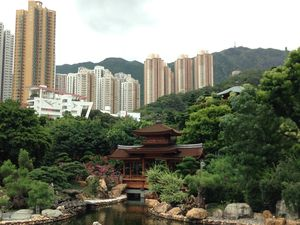 Hong Kong: Single in the city