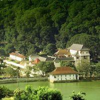 Kandy Lake 3/8 by Tripoto