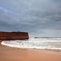 Fort Aguada 2/110 by Tripoto