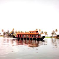 Allepy Backwaters 2/14 by Tripoto