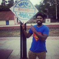 Anand Michael Travel Blogger