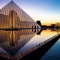 Musee du Louvre 3/57 by Tripoto