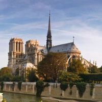 Notre Dame Cathedral 2/35 by Tripoto