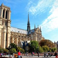 Notre Dame Cathedral 5/35 by Tripoto