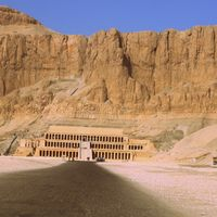 Mortuary Temple of Hatshepsut 3/5 by Tripoto
